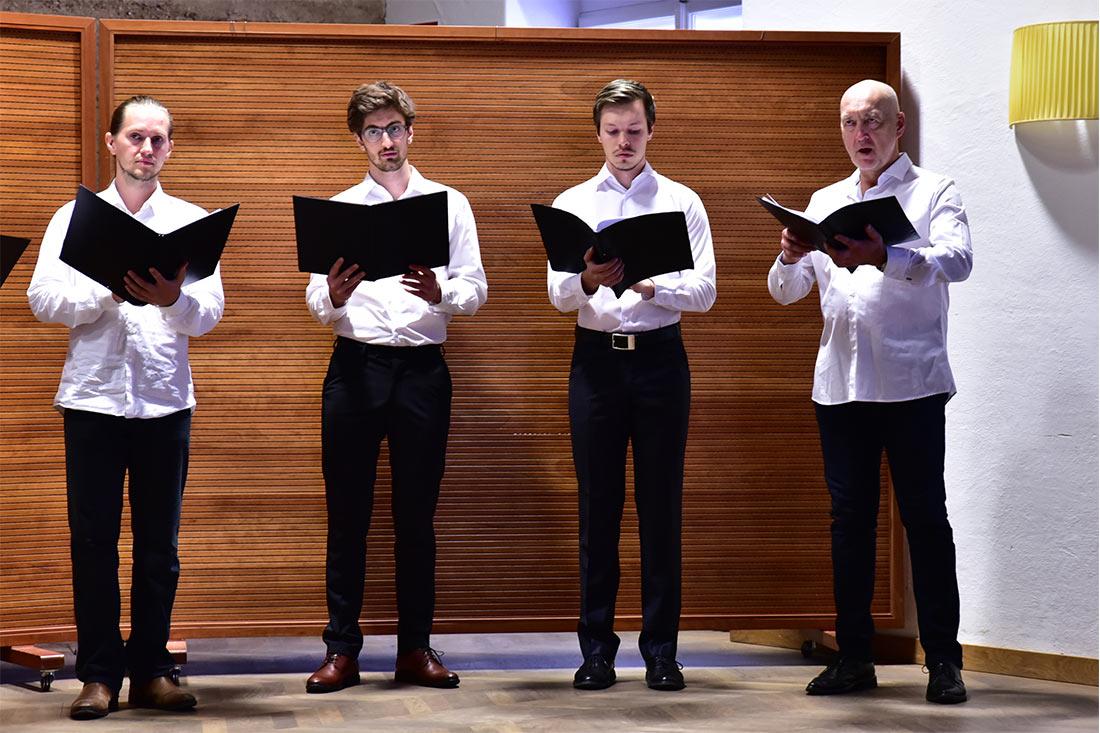 """Chor: Salzburg Vokal beim Konzert Johannes Brahms: """"Zigeunerlieder"""""""