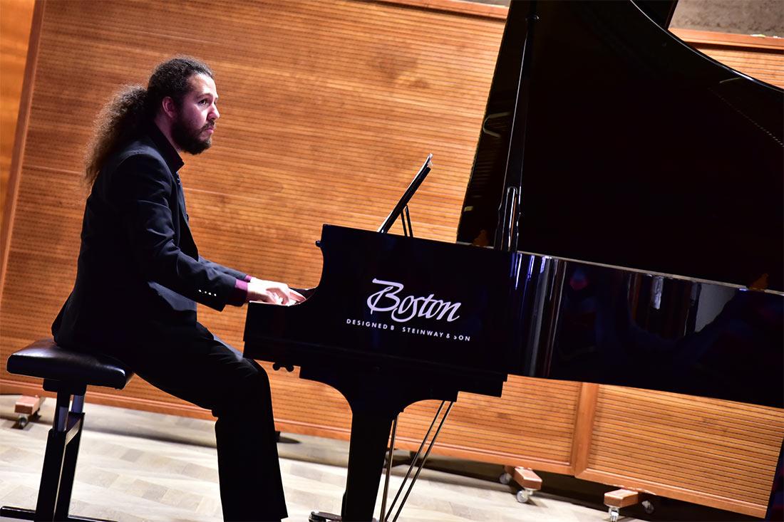 Klavier: Johann Zhao